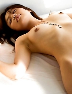 Haruka Itoh likes torturing her boobs with tenderness
