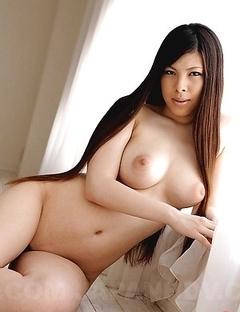 Erena Tokiwa displays her boobs
