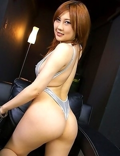 Redhead Hiyori Konno gets toyed