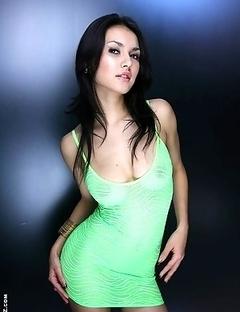 Maria Ozawa teasing in mini skirt