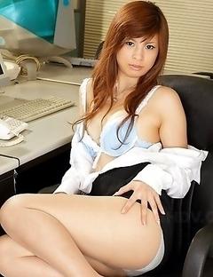Hot office darling Rina Kikukawa