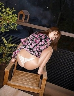 Hairy muff and innocent look of a spicy Asian Akina Spreads